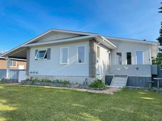 Photo 1: 10635 103 A Street: Westlock House for sale : MLS®# E4251539