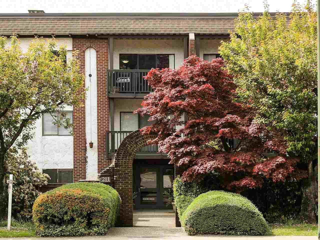 Main Photo: 113 211 W 3RD STREET in North Vancouver: Lower Lonsdale Condo for sale : MLS®# R2165777