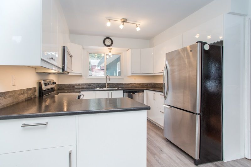 Photo 9: Photos: 1559 134A Street in Surrey: Crescent Bch Ocean Pk. House for sale (South Surrey White Rock)  : MLS®# R2538712