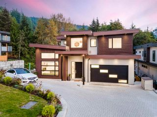 """Photo 2: 3404 MAMQUAM Road in Squamish: University Highlands House for sale in """"University Heights"""" : MLS®# R2508704"""