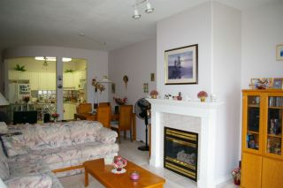 """Photo 3: 302 45700 WELLINGTON Avenue in Chilliwack: Chilliwack W Young-Well Condo for sale in """"The Devonshire"""" : MLS®# R2284567"""