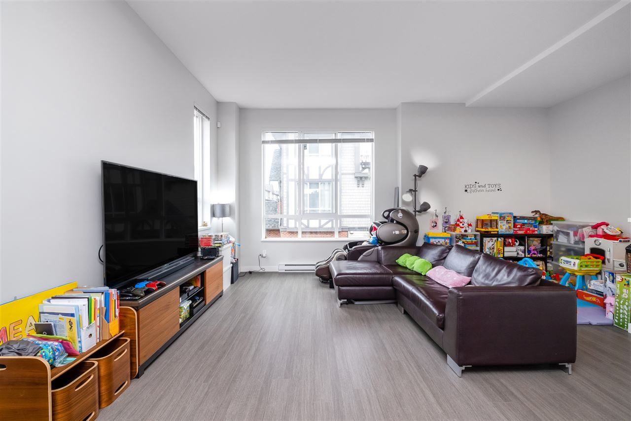 """Photo 4: Photos: 17 10388 NO. 2 Road in Richmond: Woodwards Townhouse for sale in """"KINGSLEY ESTATE"""" : MLS®# R2529818"""