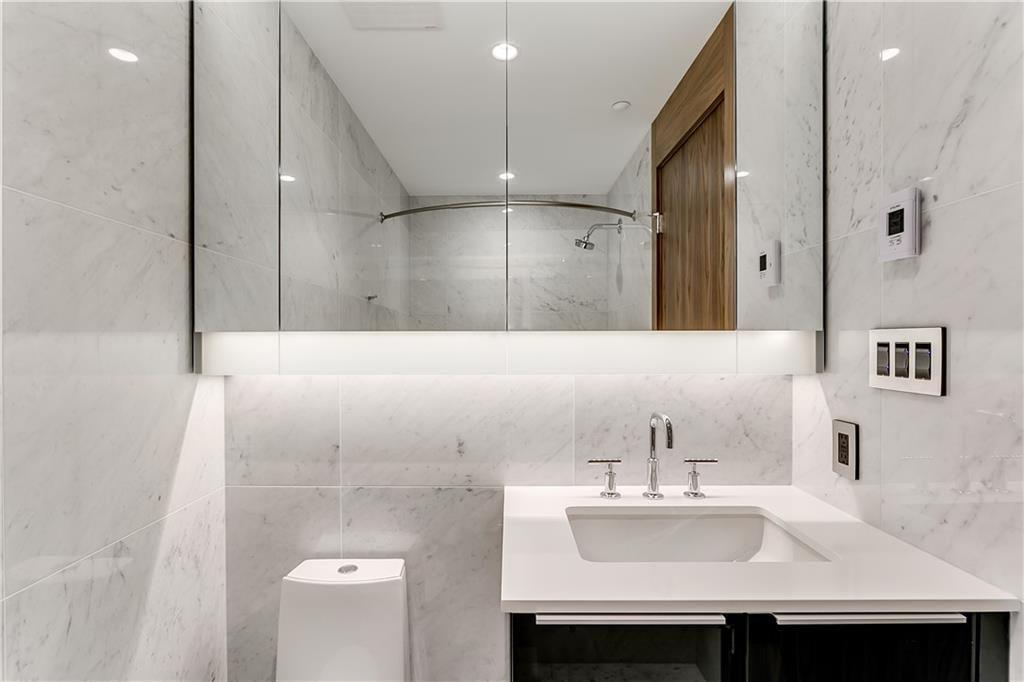 Photo 21: Photos: 607 738 1 Avenue SW in Calgary: Eau Claire Apartment for sale : MLS®# C4272230