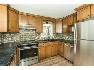"Photo 4: 14 24330 FRASER Highway in Langley: Otter District Manufactured Home for sale in ""LANGLEY GROVE ESTATES"" : MLS®# R2263420"