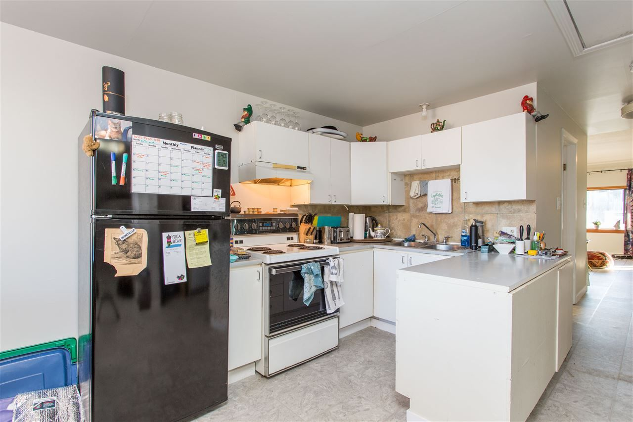 Photo 7: Photos: 369 E 34TH Avenue in Vancouver: Main House for sale (Vancouver East)  : MLS®# R2436463