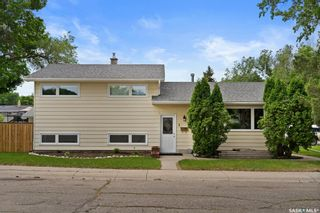 Main Photo: 3 LE JEUNE Place in Regina: Mount Royal RG Residential for sale : MLS®# SK859196
