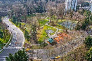 """Photo 18: 2007 9521 CARDSTON Court in Burnaby: Government Road Condo for sale in """"CONCORD PLACE"""" (Burnaby North)  : MLS®# R2524995"""