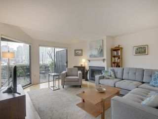 """Photo 3: 1046 IRONWORK Passage in Vancouver: False Creek Townhouse for sale in """"SPRUCE VILLAGE"""" (Vancouver West)  : MLS®# R2253346"""