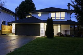 Photo 1: 15489 92A Avenue in Surrey: Fleetwood Tynehead House for sale : MLS®# R2015747