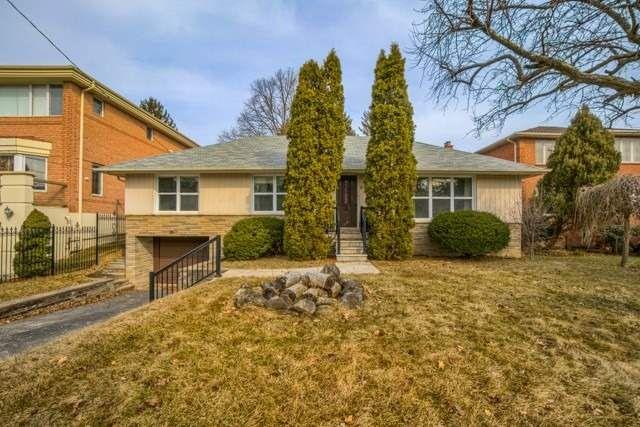 Main Photo: 26 Winlock Park in Toronto: Newtonbrook East House (Bungalow-Raised) for sale (Toronto C14)  : MLS®# C4393234