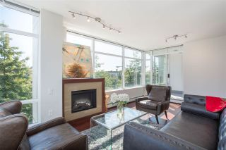 """Photo 3: 304 158 W 13TH Street in North Vancouver: Central Lonsdale Condo for sale in """"Vista Place"""" : MLS®# R2304505"""