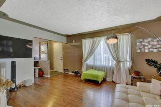 Photo 3: 3721 Caen Avenue in Regina: River Heights RG Residential for sale : MLS®# SK855375
