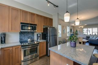 "Photo 3: 1272 STONEMOUNT Place in Squamish: Downtown SQ Townhouse for sale in ""Eaglewind - Streams"" : MLS®# R2075437"