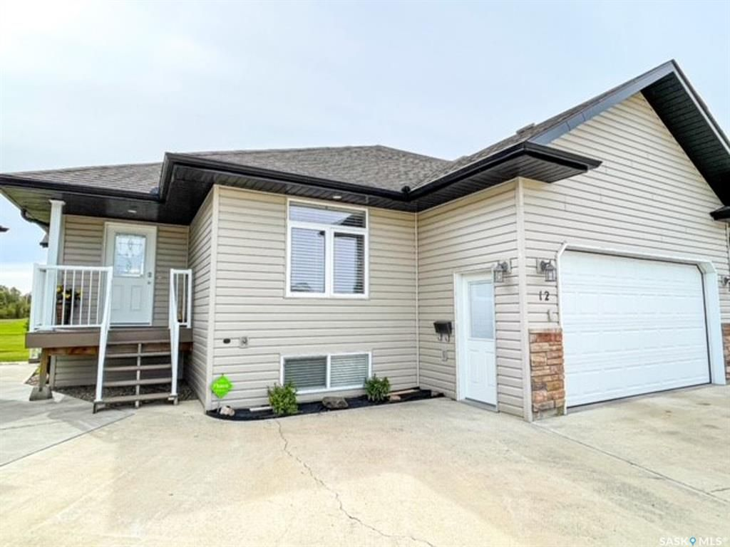 Main Photo: 12 Fairway Court in Meadow Lake: Residential for sale : MLS®# SK870953