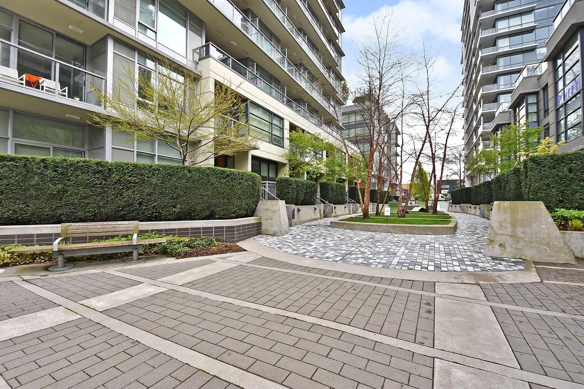 """Photo 19: Photos: 306 138 W 1ST Avenue in Vancouver: False Creek Condo for sale in """"WALL CENTRE FALSE CREEK"""" (Vancouver West)  : MLS®# R2360592"""