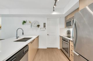 """Photo 4: 201 688 E 18TH Avenue in Vancouver: Fraser VE Condo for sale in """"The Gem"""" (Vancouver East)  : MLS®# R2385649"""