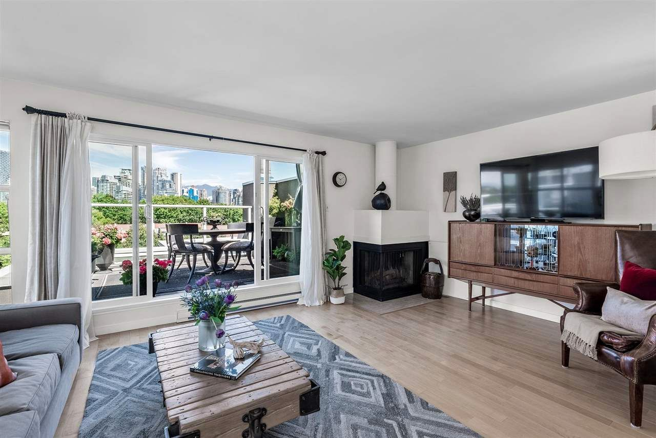 """Main Photo: 2240 SPRUCE Street in Vancouver: Fairview VW Townhouse for sale in """"SIXTH ESTATE"""" (Vancouver West)  : MLS®# R2590222"""