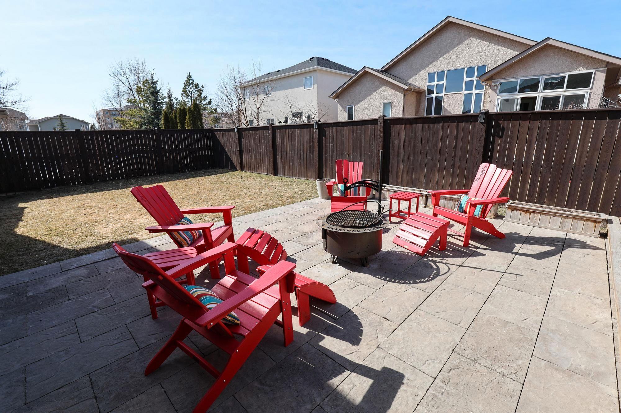 Photo 39: Photos: 7 Castle Ridge Drive in Winnipeg: Linden Ridge Single Family Detached for sale (1M)  : MLS®# 202107901