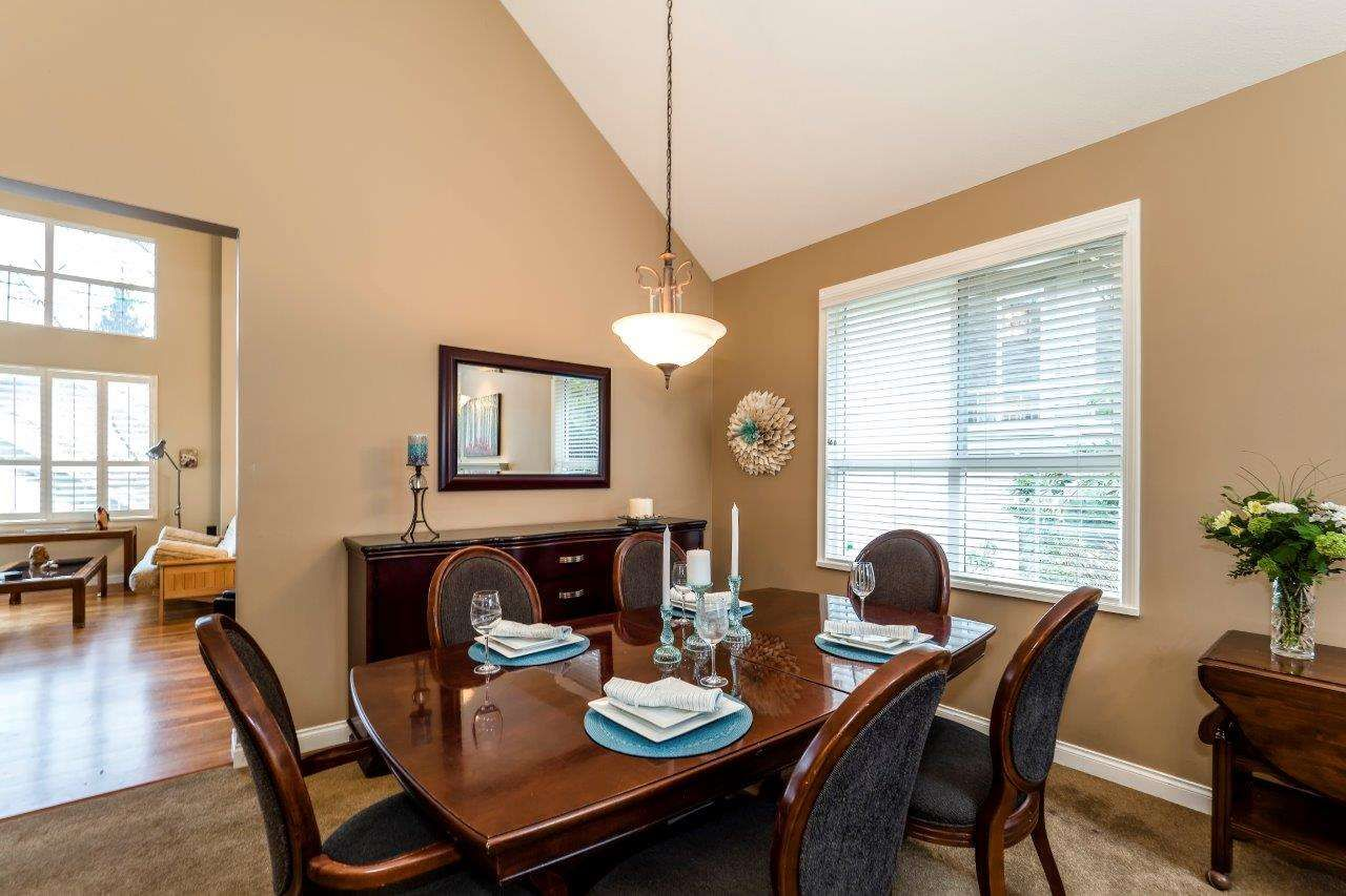 """Photo 3: Photos: 201 1465 PARKWAY Boulevard in Coquitlam: Westwood Plateau Townhouse for sale in """"SILVER OAK"""" : MLS®# R2249659"""