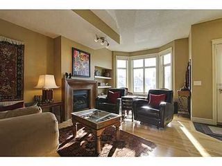 Photo 3: 202 34 Avenue SW in Calgary: 2 and Half Storey for sale : MLS®# C3554793