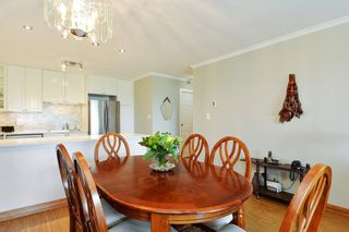 "Photo 8: 301 1531 MERKLIN Street: White Rock Condo for sale in ""Berkley Court"" (South Surrey White Rock)  : MLS®# R2306522"