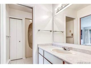 Photo 10: 10 4056 N Livingstone Ave in VICTORIA: SE Mt Doug Row/Townhouse for sale (Saanich East)  : MLS®# 685818