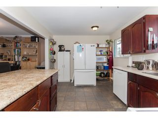Photo 11: 18274 56B AVENUE in Surrey: Cloverdale BC House for sale (Cloverdale)  : MLS®# R2148216