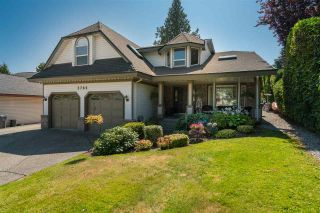 """Photo 4: 5785 190 Street in Surrey: Cloverdale BC House for sale in """"ROSEWOOD"""" (Cloverdale)  : MLS®# R2559609"""