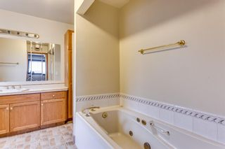 Photo 16: 2510 26 Street SE in Calgary: Southview Detached for sale : MLS®# A1105105