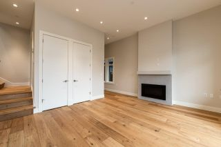 Photo 5: 941 E 24TH Avenue in Vancouver: Fraser VE 1/2 Duplex for sale (Vancouver East)  : MLS®# R2407771