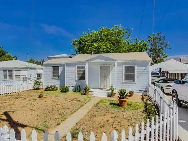 Main Photo: LAKESIDE House for sale : 2 bedrooms : 12714 Julian Avenue