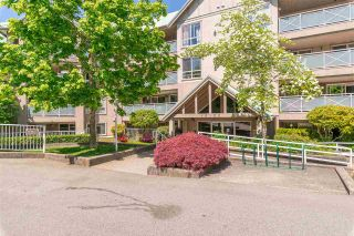 "Photo 2: 307 15150 29A Avenue in Surrey: King George Corridor Condo for sale in ""The Sands 2"" (South Surrey White Rock)  : MLS®# R2464623"