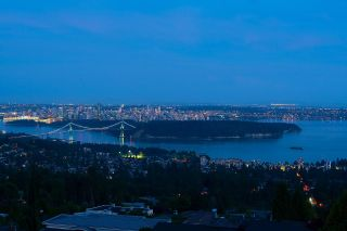 Photo 2: 1410 CHIPPENDALE Road in West Vancouver: Chartwell House for sale : MLS®# R2598628