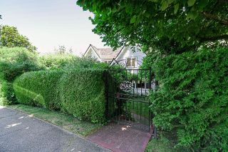 Photo 3: 2588 WALLACE Crescent in Vancouver: Point Grey House for sale (Vancouver West)  : MLS®# R2599733