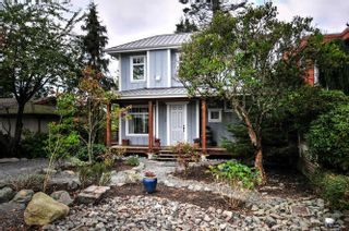 Photo 1: 1331 129A STREET in Surrey: Crescent Bch Ocean Pk. Home for sale ()  : MLS®# R2007596