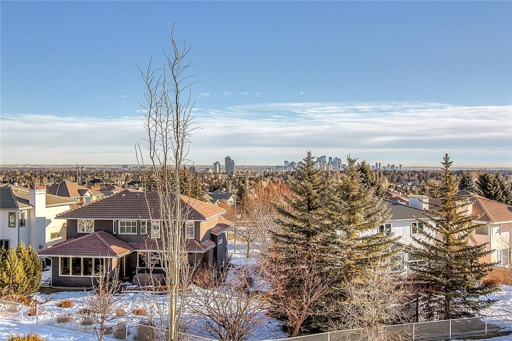 Photo 10: Photos: 153 SIGNATURE Close SW in Calgary: Signal Hill Detached for sale : MLS®# C4283177