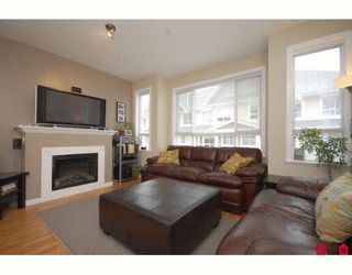 """Photo 1: 33 20159 68TH Avenue in Langley: Willoughby Heights Townhouse for sale in """"VANTAGE"""" : MLS®# F2812376"""