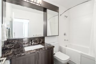 """Photo 15: 3202 5515 BOUNDARY Road in Vancouver: Collingwood VE Condo for sale in """"Wall Centre Central Park"""" (Vancouver East)  : MLS®# R2208071"""