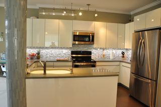 Photo 4: 306 2577 WILLOW STREET in : Fairview VW Condo for sale (Vancouver West)  : MLS®# V990400