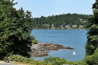 Photo 1: 204 2326 Harbour Rd in : Si Sidney North-East Condo for sale (Sidney)  : MLS®# 880200