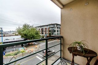 "Photo 1: 305 212 LONSDALE Avenue in North Vancouver: Lower Lonsdale Condo for sale in ""212"" : MLS®# R2408315"
