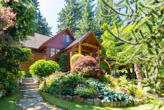 Photo 1: 12662 28 Avenue in Surrey: Crescent Bch Ocean Pk. House for sale (South Surrey White Rock)  : MLS®# R2185973