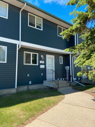 Photo 1: 565 DUNLUCE Road in Edmonton: Zone 27 Townhouse for sale : MLS®# E4248896