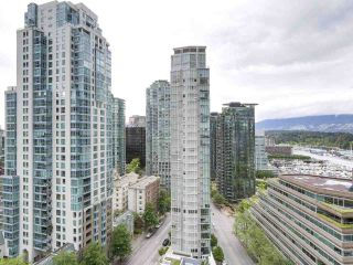 """Photo 9: 1705 1211 MELVILLE Street in Vancouver: Coal Harbour Condo for sale in """"THE RITZ"""" (Vancouver West)  : MLS®# R2173539"""