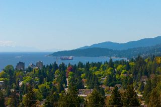 Photo 13: 910 BRAESIDE Street in West Vancouver: Sentinel Hill House for sale : MLS®# R2395782