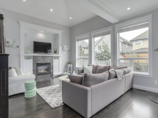 """Photo 4: 17387 3 Avenue in Surrey: Pacific Douglas House for sale in """"SUMMERFIELD"""" (South Surrey White Rock)  : MLS®# R2257323"""