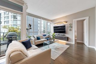 """Photo 7: 302 1189 MELVILLE Street in Vancouver: Coal Harbour Condo for sale in """"THE MELVILLE"""" (Vancouver West)  : MLS®# R2611872"""