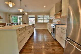 Photo 7: 5905 183A Street in Surrey: Cloverdale BC House for sale (Cloverdale)  : MLS®# R2404391