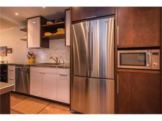 """Photo 5: 105 1575 BALSAM Street in Vancouver: Kitsilano Condo for sale in """"Balsam West"""" (Vancouver West)  : MLS®# V1108144"""