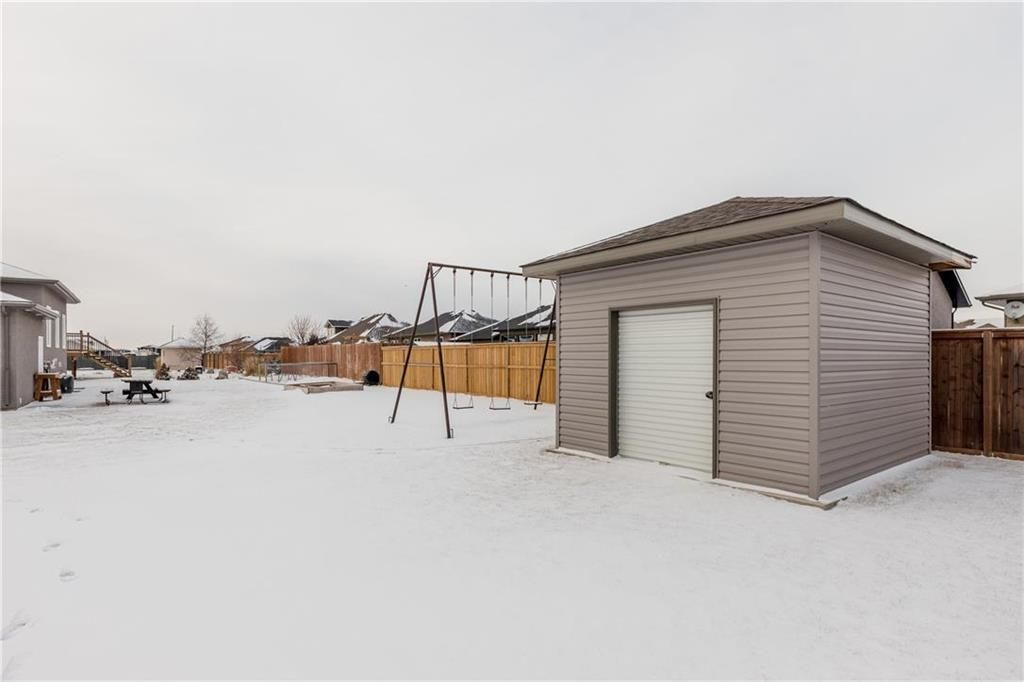 Photo 31: Photos: 13 BRIARWOOD Place in Steinbach: R16 Residential for sale : MLS®# 202029454